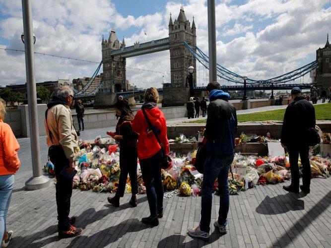 Scotland Yard arrests 3 in London terror probe on polls eve