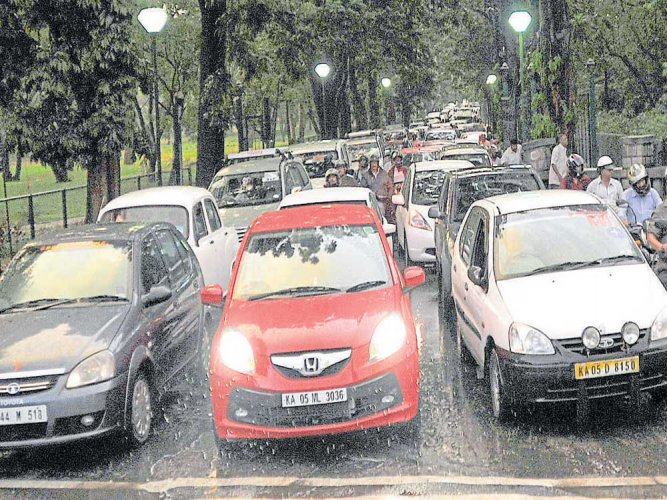 Cubbon Park gates to be opened for traffic on holidays again