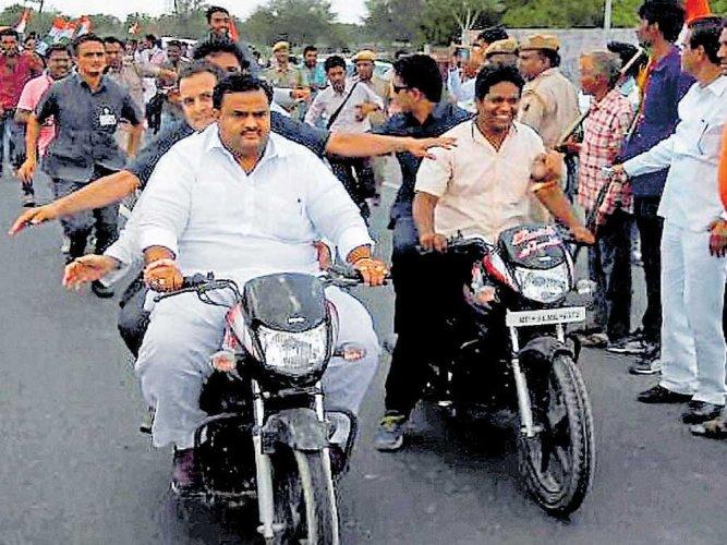 Without helmet, Rahul violates rules