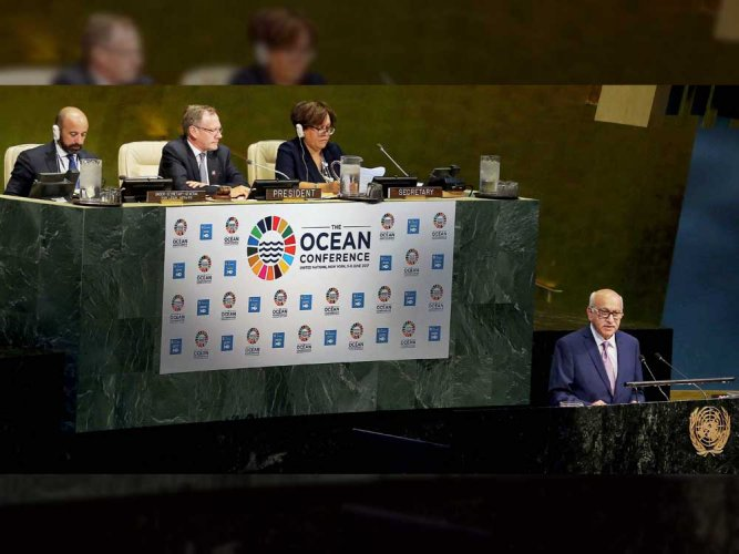 193 nations urge action to protect oceans, with US protest