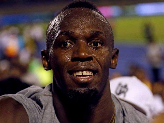 Bolt bids adieu to Jamaican track