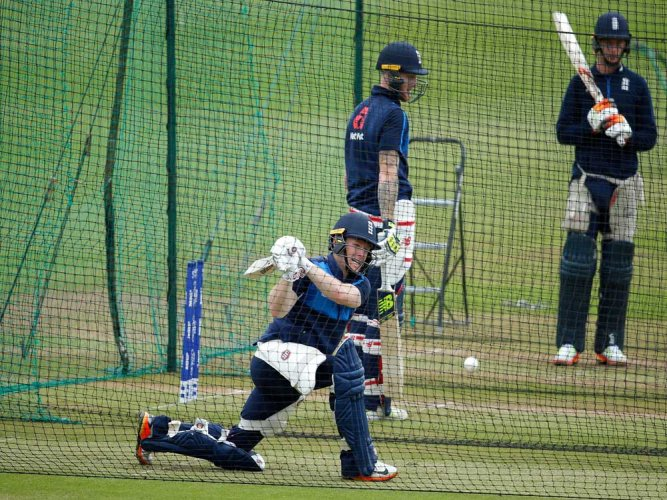 Volatile Pak vs solid England