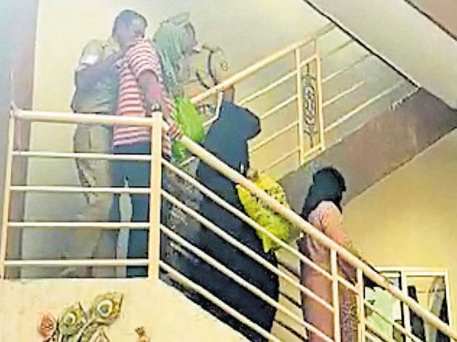 Police to take 3 Pak nationals, Keralite into custody again