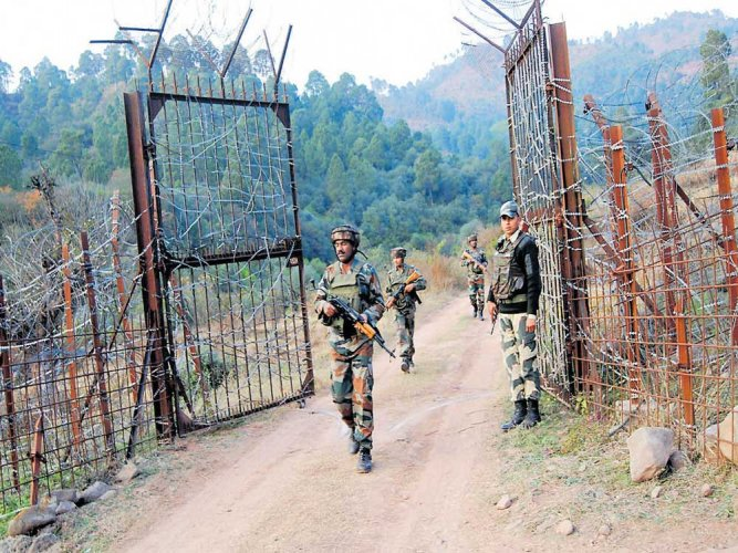 Pak continues to violate ceasefire along LoC