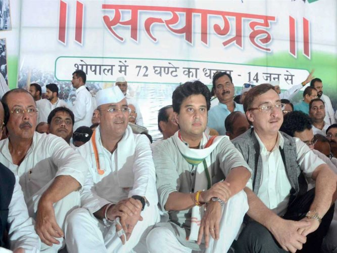 Scindia on 72-hour 'satyagraha' in farmers' support