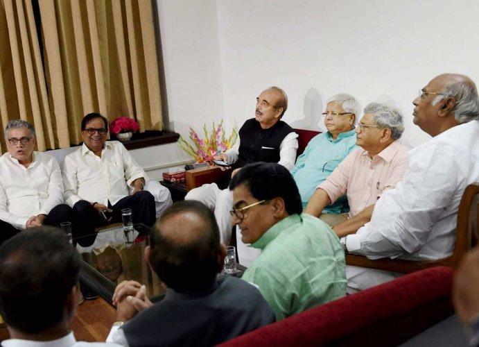 Oppn discusses prez poll issue