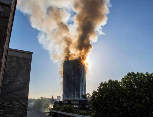 London fire: British PM orders inquiry as toll reaches 17