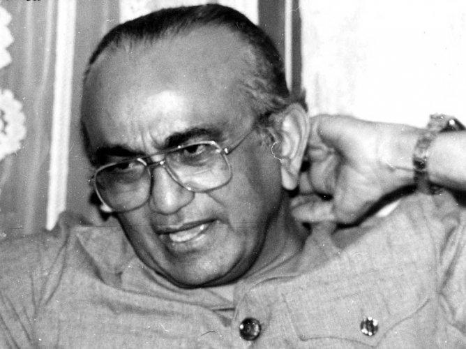 Pioneer of judicial activism Bhagwati passes away