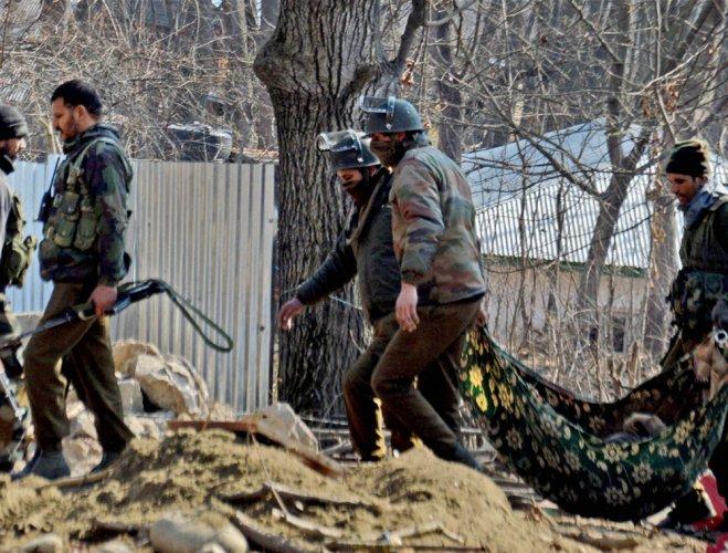 Militants kill policemen, mutilate their bodies