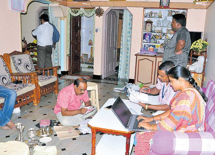 ACB raids 7 govt officials across state, unearths assets worth crores