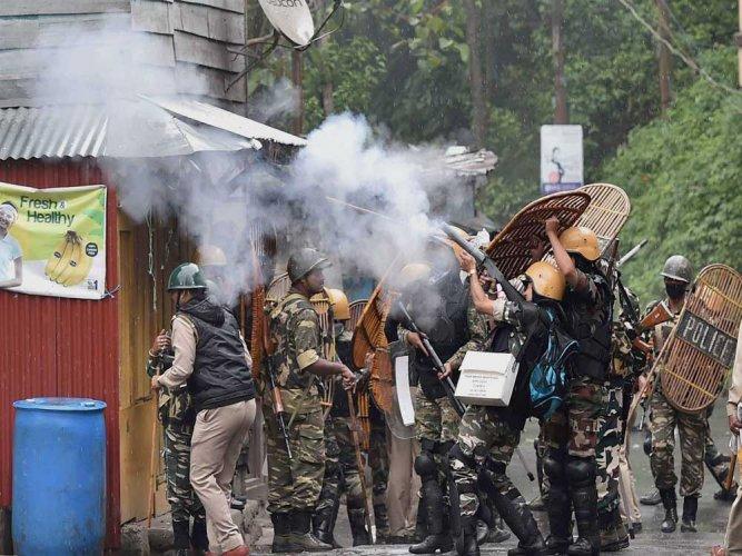 Darjeeling turns battleground: Civilian killed, 35 securitymen injured