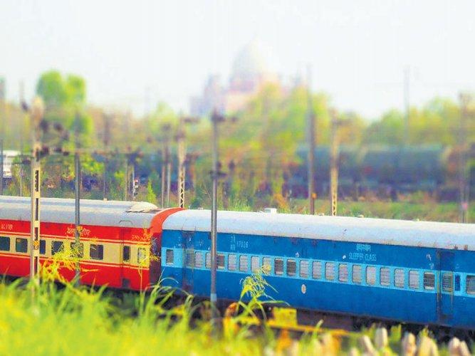 High speed train corridor to ensure non-stop Net connectivity