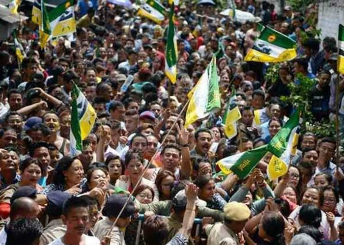 Darjeeling on edge, GJM takes out rally with body of activist