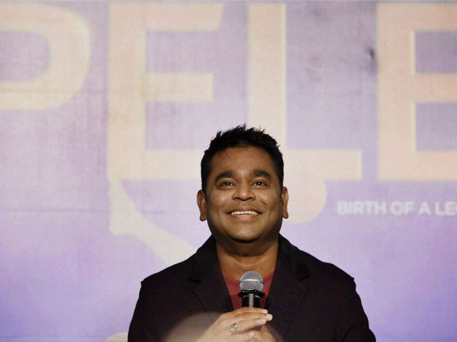 Rahman pays homage to London fire victims ahead of his UK gig
