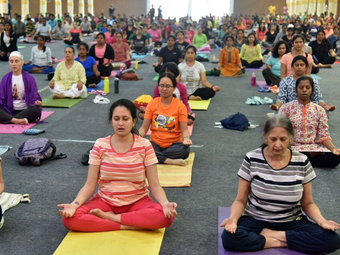 Women outnumber men as number of Yoga practitioners rise