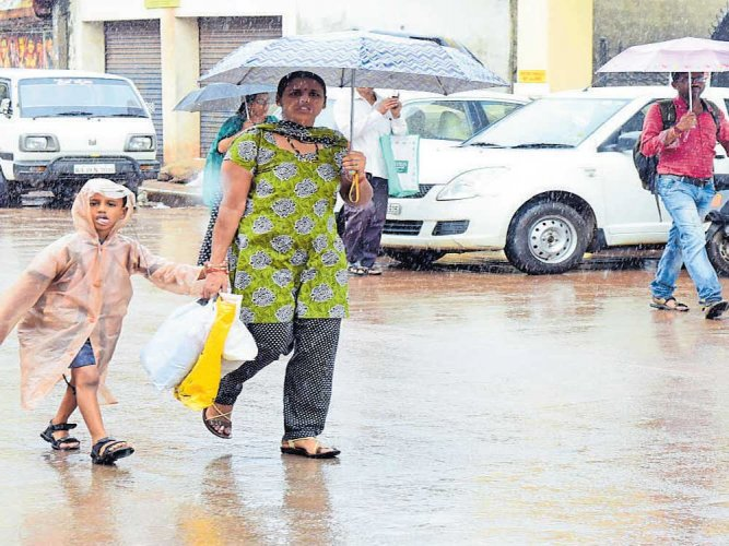 Sparse, intermittent rain lashes parts of state