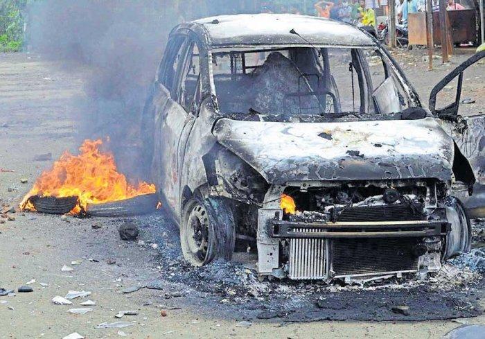 Farmers' stir turns violent in Thane
