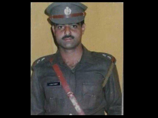 Mob lynches DySP in Srinagar; 2 arrested