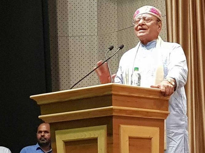 Vaghela lashes out at party leadership, says not willing to 'fall in the ditch'