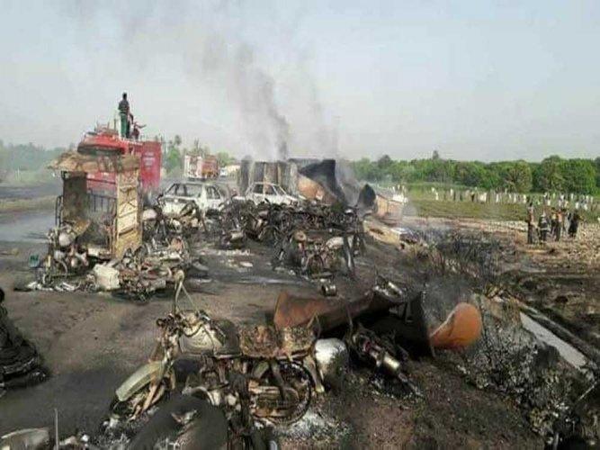 149 killed, 117 injured as oil tanker explodes in Pak
