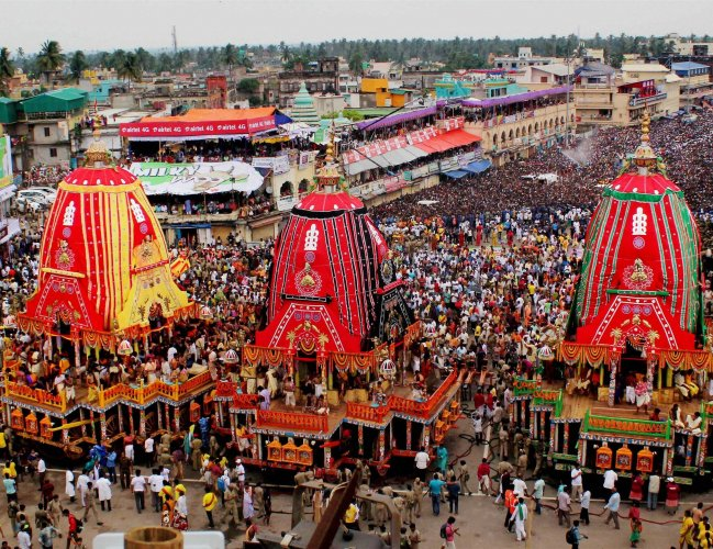 Lakhs of people attend Rath Yatra of Lord Jagannath at Puri