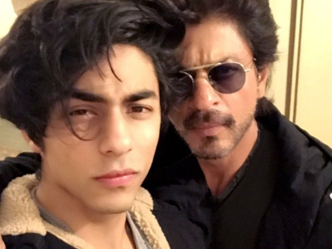 Media attention makes my kids feel awkward, says SRK
