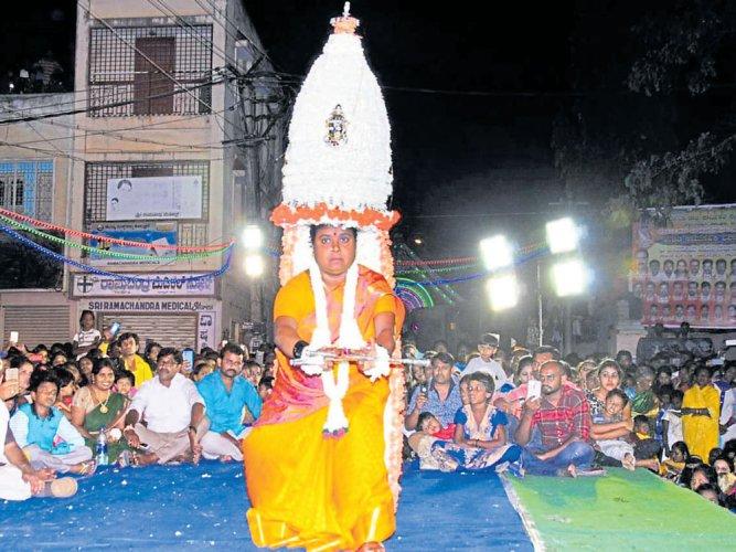 Woman power at Draupadamma Karaga
