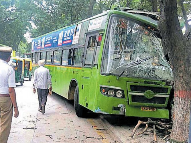 Bus hits tree after brake failure