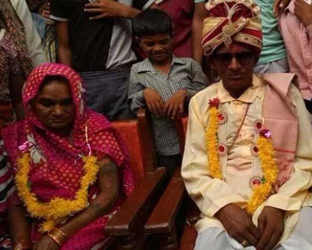 Live-in partners of 50 years tie the knot for 'moksha'