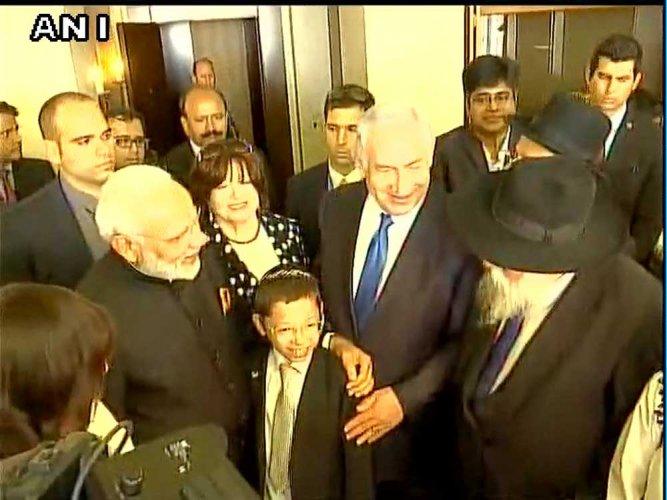 Modi meets 26/11 Israeli child survivor, invites him to India