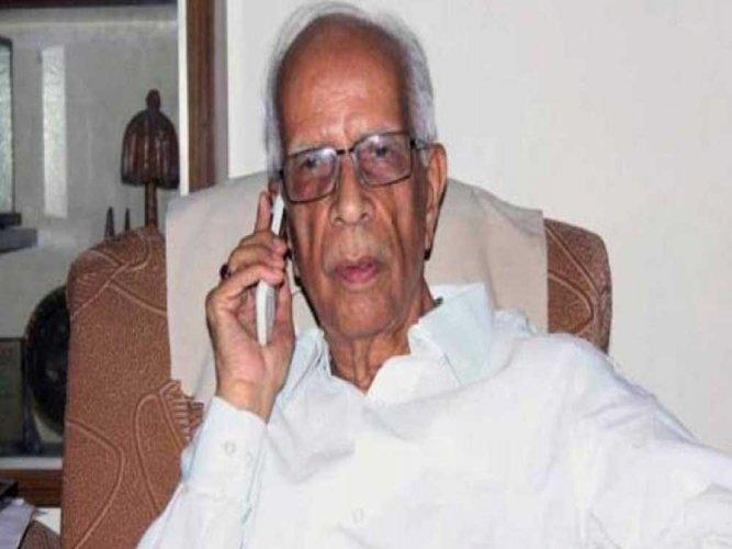 Tripathi hits back at Mamata, Centre steps in to defuse row