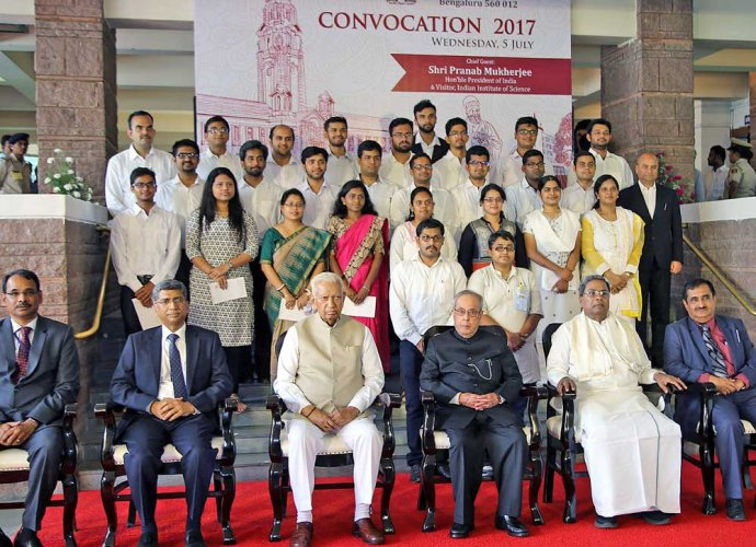 Pursue research instead of jobs, Prez tells IISc grads