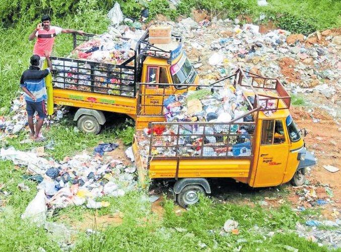 Garbage poses threat to Hoskote's main water source, bird habitat