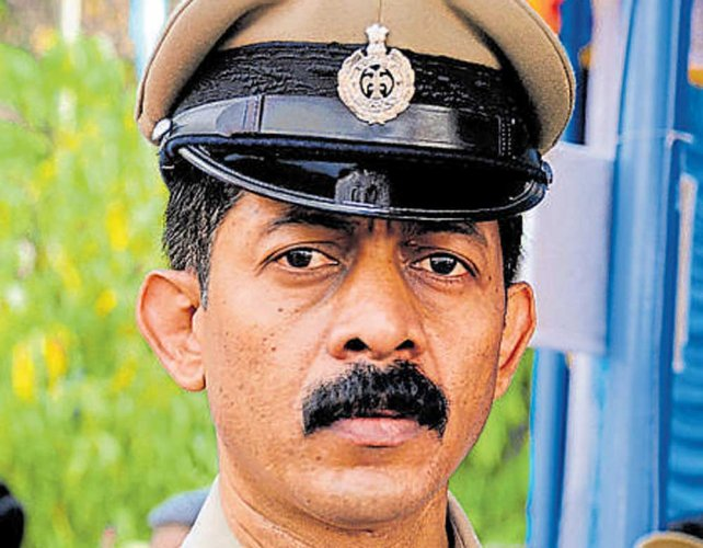 SC issues notice  to George in DySP Ganapathy's death case