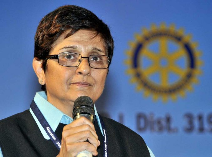 Kiran Bedi hails Roopa, says country needs more of her kind
