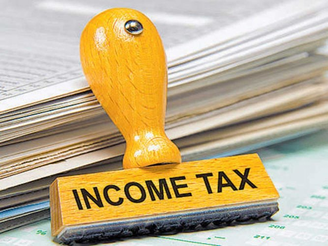 5.56 lakh taxpayers come under  I-T scanner