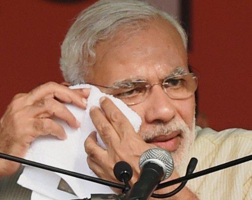 PM condoles Amarnath pilgrim deaths in bus crash