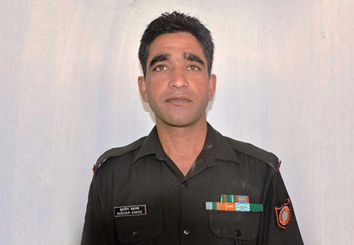 Solider, 9-year-old girl killed as Pak violates ceasefire along LoC in J&K