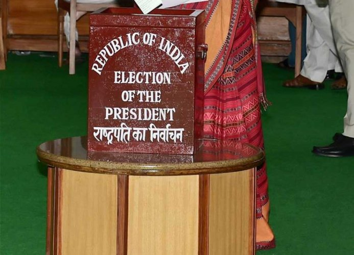 Prez Poll: Ballot boxes from states fly to Delhi as passengers!