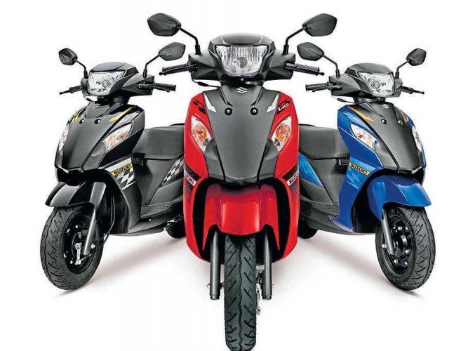 Suzuki Let's in dual-tone colours