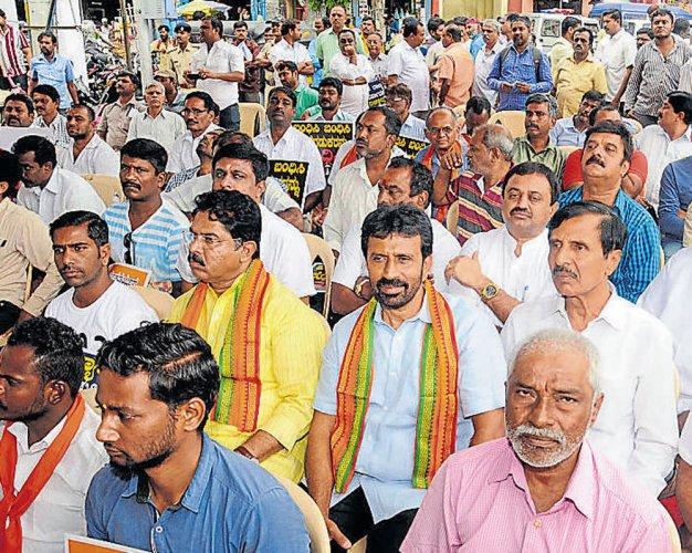 Rai aided RSSworker's murder, says Ashoka