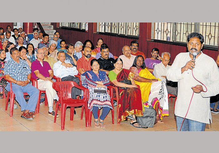 Fearing more chaos, citizens oppose draft zoning norms