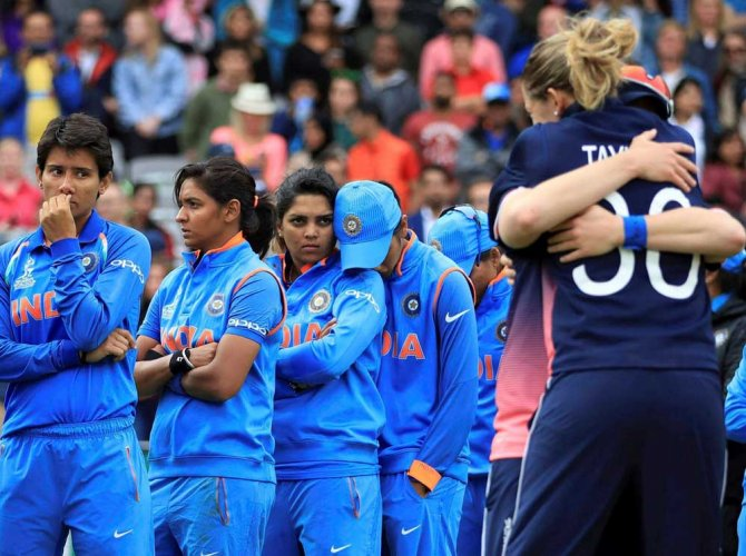 'Chin up, you did us proud': Tributes galore for women's team