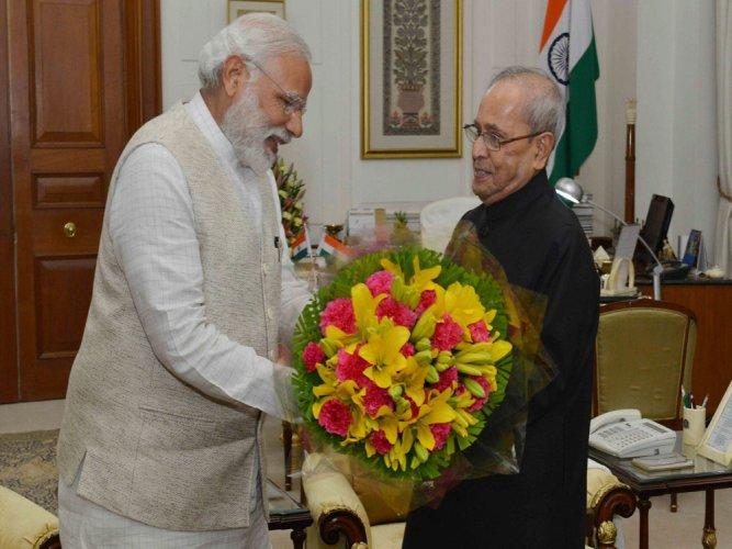 Modi, Jaitley pay tributes to outgoing prez
