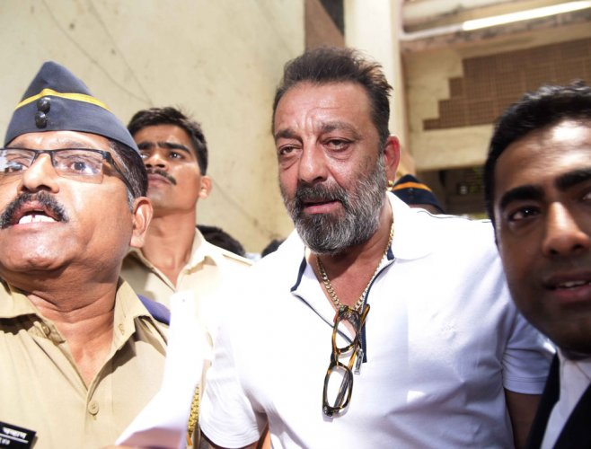 Sanjay Dutt could be sent back to jail, HC told