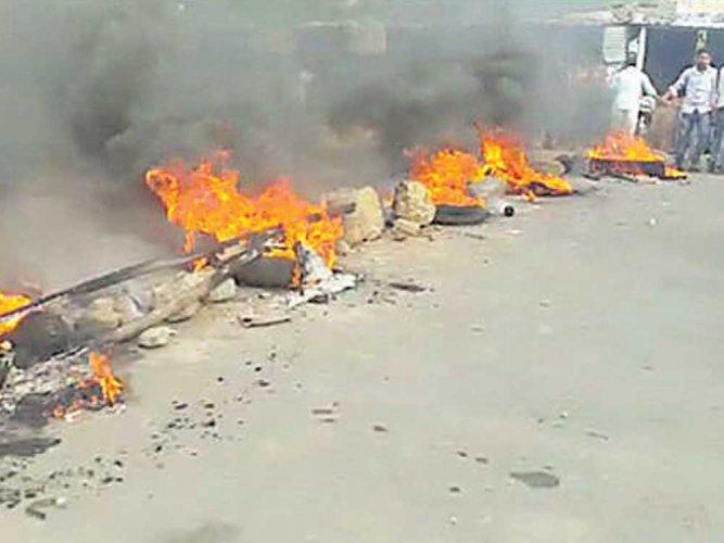 Family decides to cremate Dharam at Nelogi