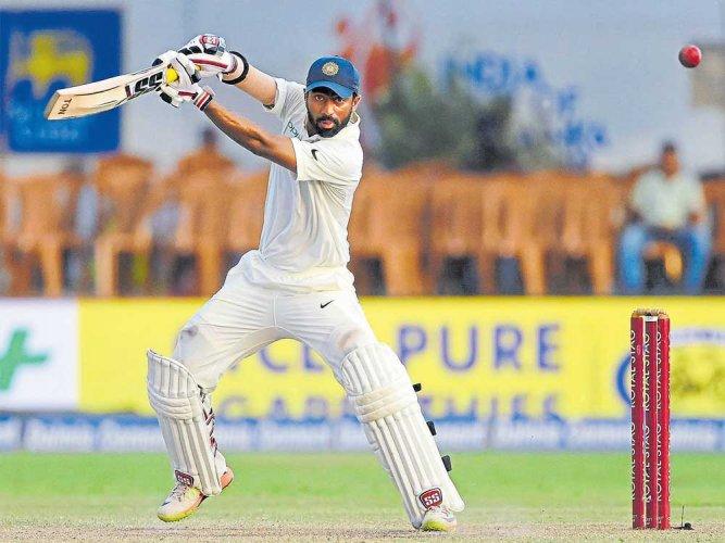 Fielding has a positive effect on Abhinav