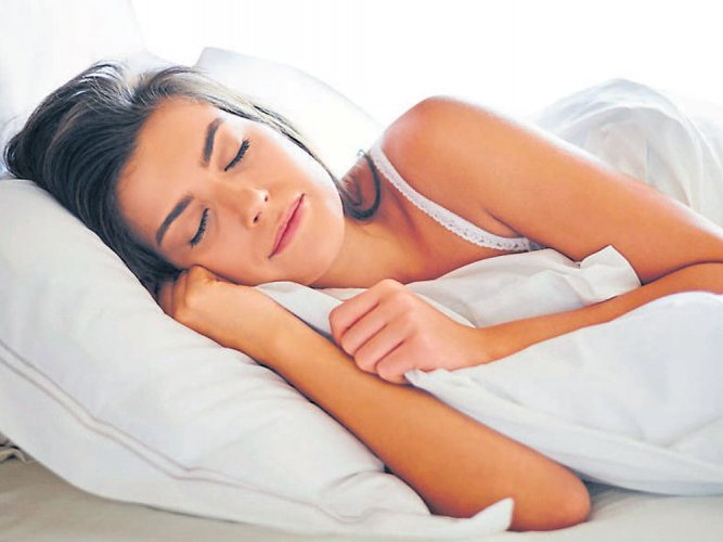 Poor sleep may lead to weight gain: study
