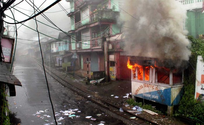 Gorkhaland supporters clash with police, many hurt