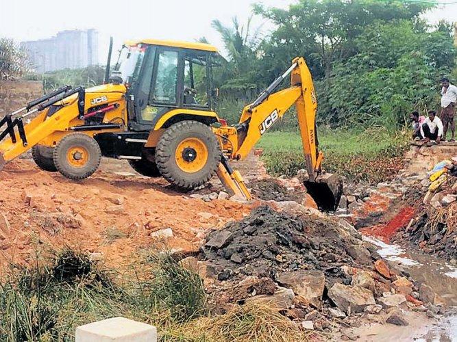 Subramanyapura lake set for new life after a decade of neglect